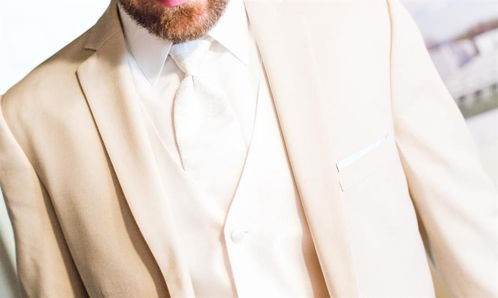 שיקולים בבחירת חליפות חתן